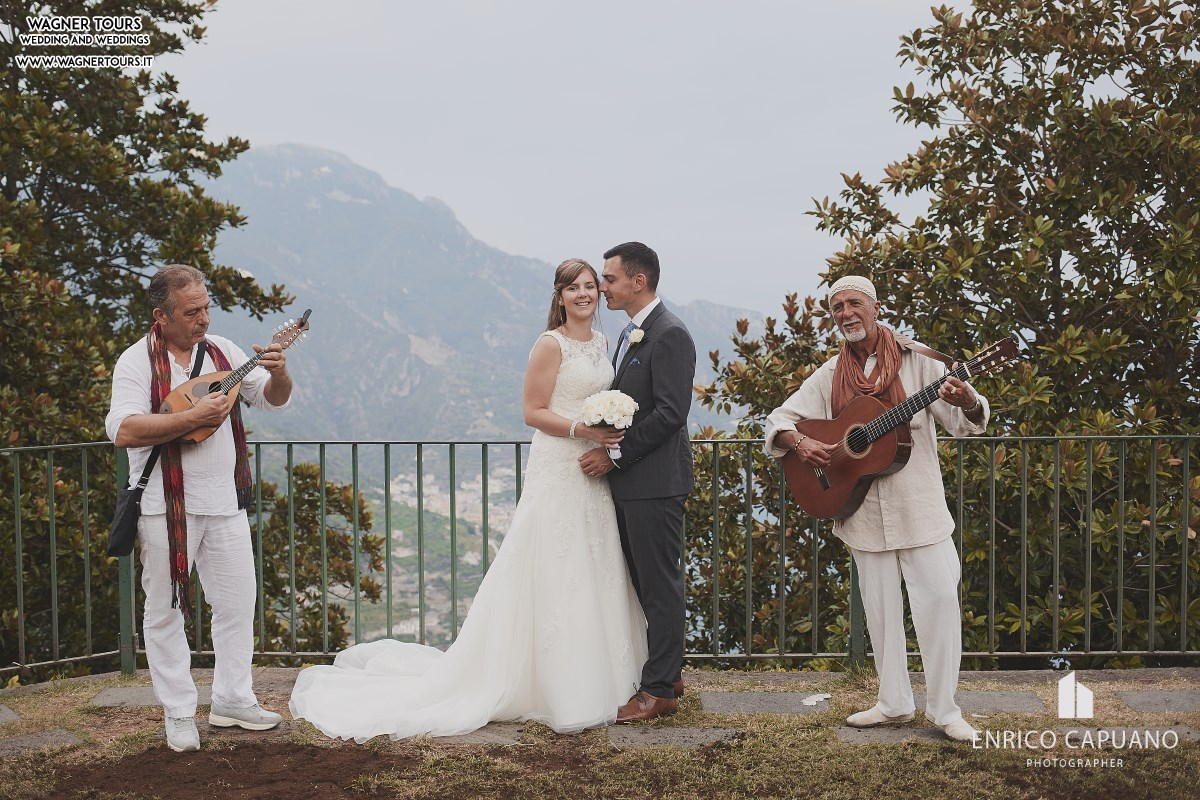 Ravello Neapolitanan Duo Guitar And Mandolin For Your Wedding In